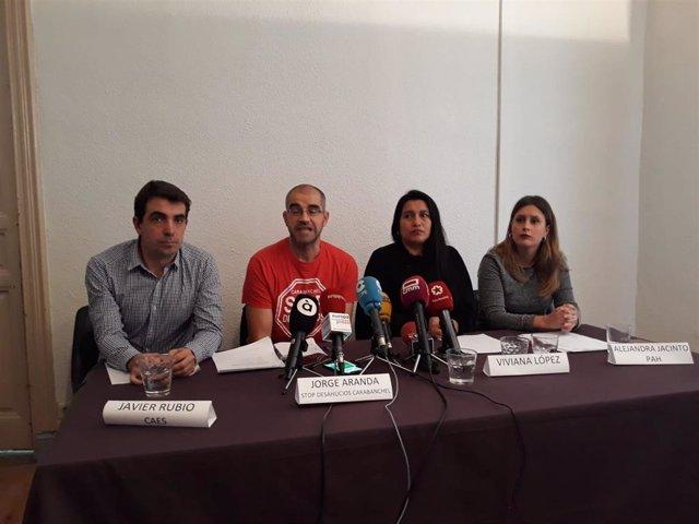 Rueda de prensa de colectivos antidesahucios para explicar el dictamen de Naciones Unidas sobre un lanzamiento en Carabanchel.