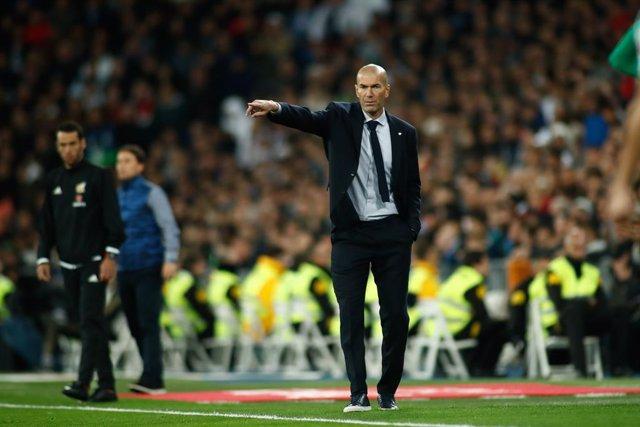 """Fútbol.- Zidane: """"El VAR está para que sea todo más claro y ahora no lo es"""""""