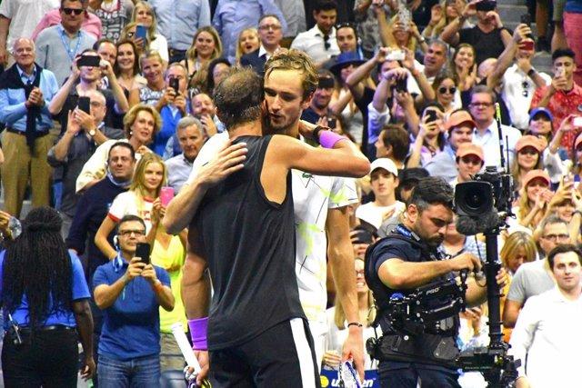 Tenis.- Rafa Nadal queda emparejado con Medvedev, Tsitsipas y Zverev en las Fina