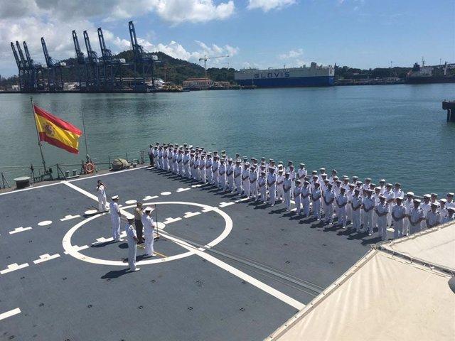 La fragata Méndez Núñez cruza el canal de Panamá y finaliza la vuelta al mundo e