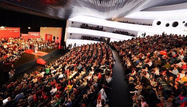 Míting del líder del PSOE, Pedro Sánchez, en el Palau de Congressos de Badajoz