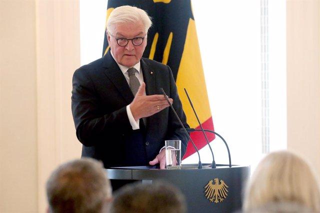 Alemania.- Steinmeier destaca el comportamiento de los alemanes del este tras la