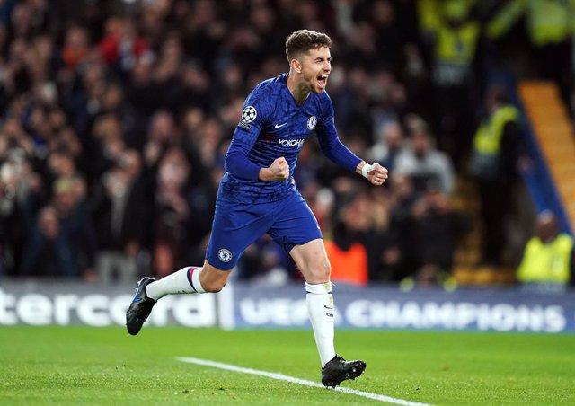 Fútbol/Champions.- (Crónica) Chelsea y Dortmund festejan la jornada de las remon