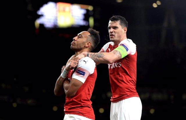 Fútbol.- Emery despoja a Xhaka de la capitanía por su enfrentamiento con la afic