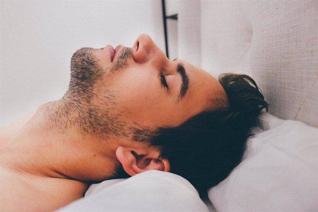 Dormir, sueño, hombre joven