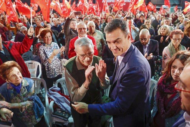 El president del Govern espanyol en funcions, Pedro Sánchez, intervé en un míting del PSOE a Gijón (Espanya) el 5 de novembre del 2019.