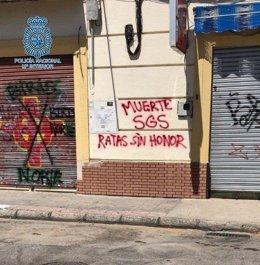 Una de les pintades dels grups radicals.