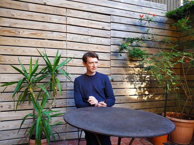 Owen Martell es el autor de la novela 'Intervalo'