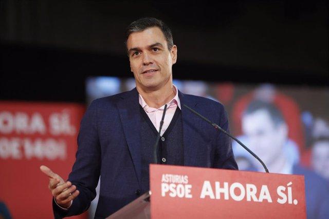 El president del Govern en funcions, Pedro Sánchez, intervé en un míting del PSOE en el Pavelló Central del Recinte Firal Luis Adaro de Gijón (Espanya) 5 de novembre del 2019.