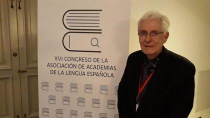 """Un académico de la lengua española defiende el reguetón como 'canción protesta': """"Siendo vulgar te hacen más caso"""""""