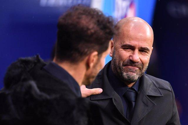 """Fútbol/Champions.- Peter Bosz: """"No tiene sentido especular sobre si avanzaremos"""