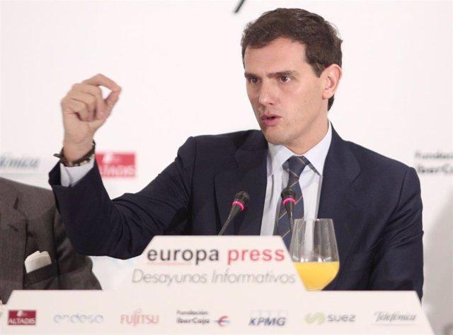 El presidente de Ciudadanos y candidato del partido a la Presidencia del Gobierno, Albert Rivera, participa en un Desayuno Informativo de Europa Press celebrado en el Hotel Hyatt Regency Hesperia de Madrid (España), a 7 de noviembre de 2019.
