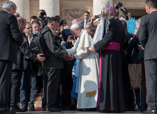 """El Papa denuncia un mundo donde prima """"la búsqueda egoísta del interés nacional"""""""