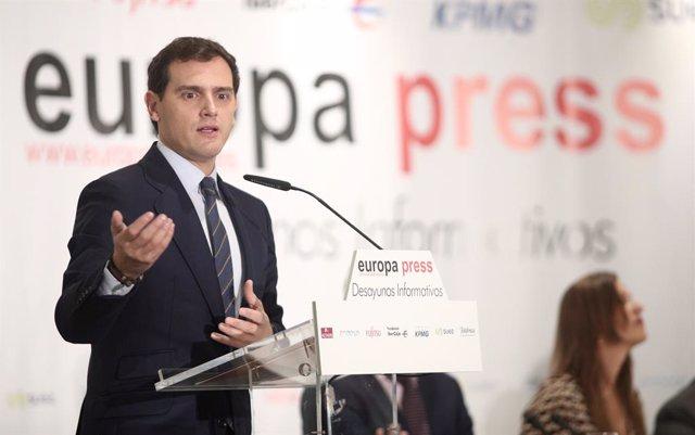El president de Ciudadanos i candidat del partit a la Presidència del Govern, Albert Rivera, participa en un Esmorzar Informatiu d'Europa Press celebrat a l'Hotel Hyatt Regency Hesperia de Madrid (Espanya), 7 de novembre del 2019.