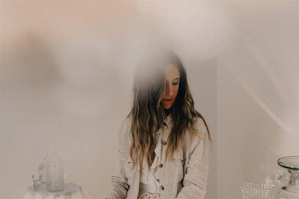 Penny Necklace presenta sinuoso y onírico nuevo single: 'Agua'