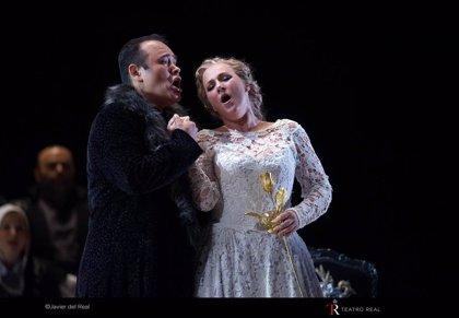 """Javier Camarena vuelve al Teatro Real: """"Los jóvenes quieren los grandes roles cuando no pueden sostener los pequeños"""""""