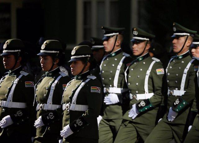 Policías bolivianos en La Paz