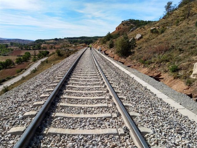 Vías de tren de circulación Adif