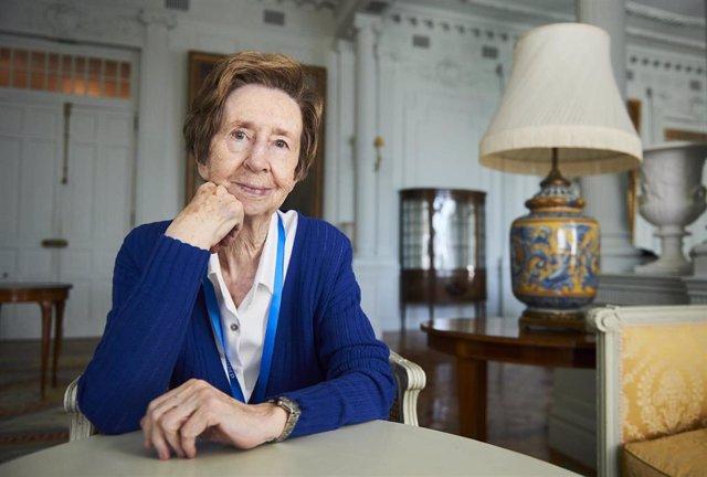 La investigadora Margarita Salas en la UIMP