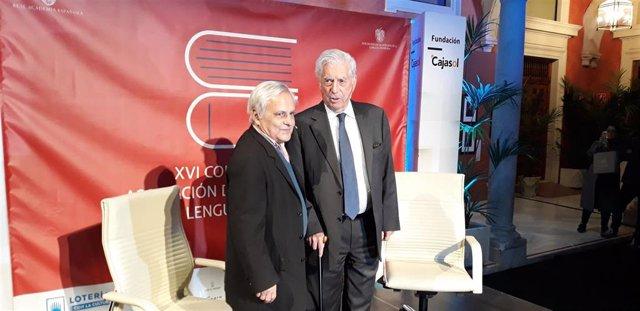 El escritor Mario Vargas Llosa y el periodista Juan Cruz