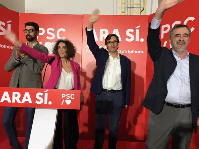 El candidat al Senat del Psc, Manuel Cruz; el secretari d'organització i cap de campanya, Salvador Illa, la número 11 per Barcelona, Alícia Rodríguez, i el líder municipal a Premià de Mar (Barcelona), David Gutiérrez