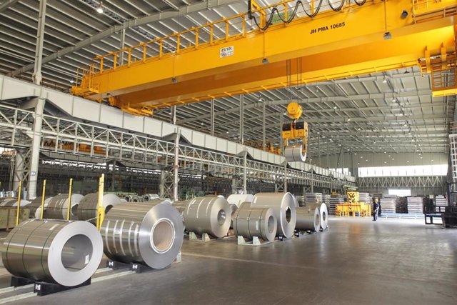 Acerinox recorta un 49% su beneficio en los nueve primeros meses, hasta los 113 millones