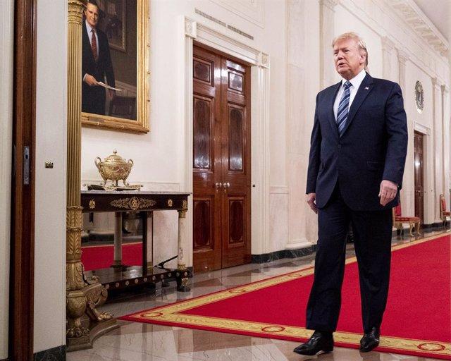 EEUU.- El informador principal sobre el escándalo de Ucrania acusa a Trump de po