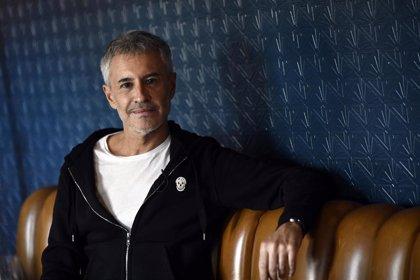 Escucha a Sergio Dalma reimaginar sus clásicos en su nuevo disco: '30... y tanto'