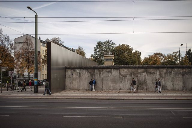Alemania.- El error que llevó a la caída del Muro de Berlín