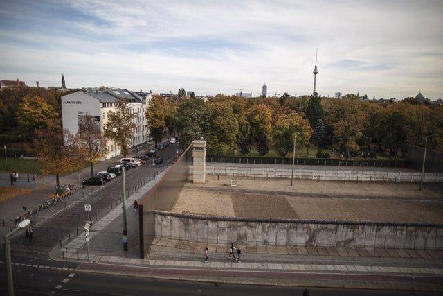Alemania.- El Muro de Berlín en cifras 30 años después de su caída