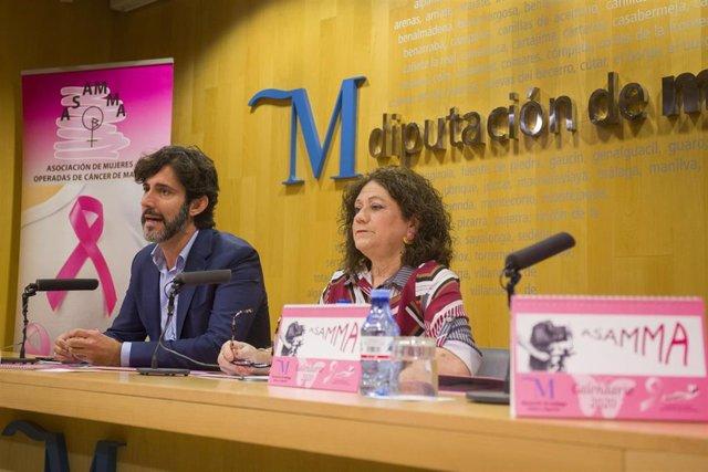 El diputado de Tercer Sector, Francisco José Martín, junto a la presidenta de Asamma, Francisca Aguilar.