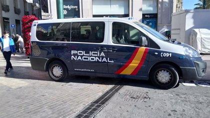 Detenido en Fuengirola tras gastar dinero en un club de alterne y denunciar que habían utilizado su tarjeta de empresa