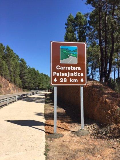 Señalizadas 11 carreteras paisajísticas de Extremadura para impulsar el turismo de motor