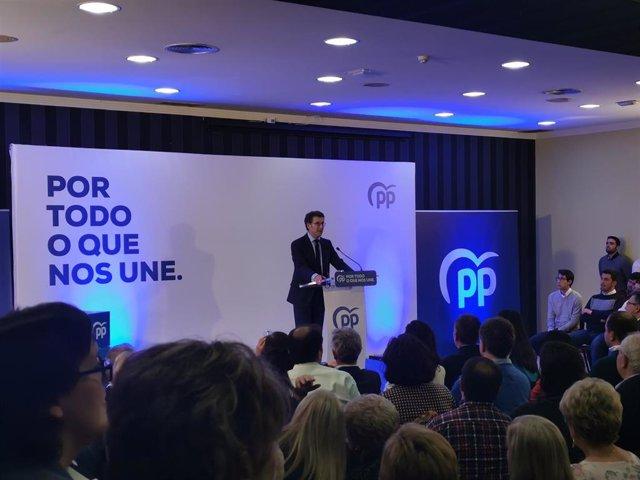 El presidente del PPdeG, Alberto Núñez Feijóo, en un mitin en Pontevedra.