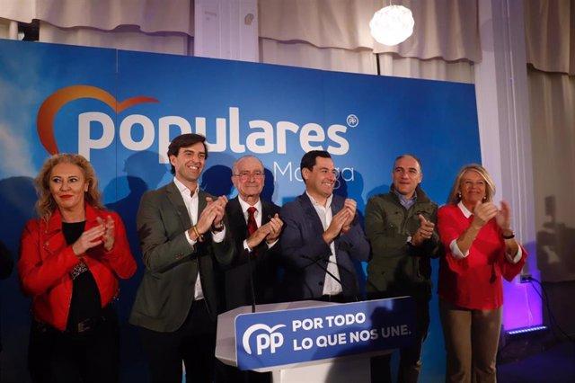 El presidente del PP-A y de la Junta de Andalucía, Juanma Moreno, clausura el acto de cierre de campaña junto a los candidatos malagueños al Congreso.