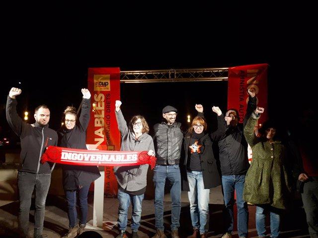 Mireia Vehí, Eulàlia Reguant i Vidal Aragonés (CUP) en el míting final de campanya, a Sabadell (Barcelona), abans de les eleccions generals del 10 de novembre de 2019