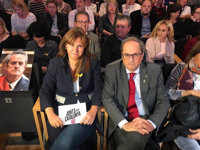 El presidente de la Generalitat, Quim Torra, y la cabeza de lista de JxCat en el Congreso, Laura Borràs
