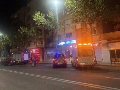 Una mujer de 61 años sufre quemaduras leves en el incendio de la cocina de su vivienda en Badajoz