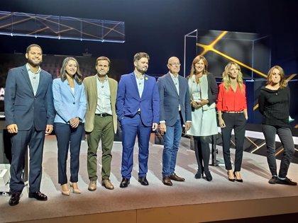 Los candidatos catalanes pasan el día de reflexión en el cine, comiendo fuera y cuidando la salud