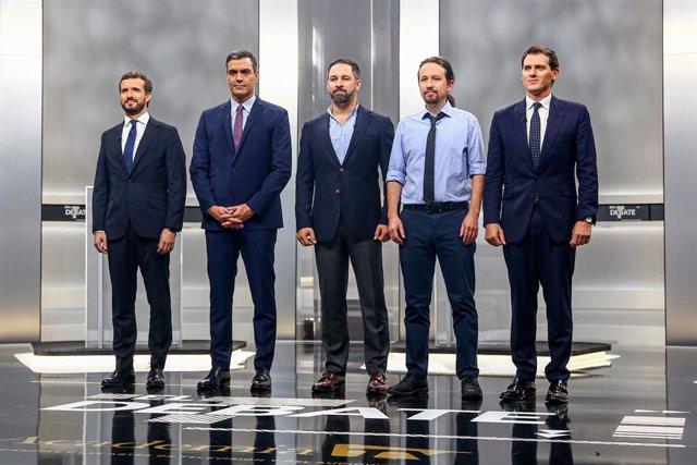 Pedro Sánchez, Pablo Casado, Pablo Iglesias, Albert Rivera y Santiago Abascal antes del debate electoral en televisión en el Pabellón de Cristal de la Casa de Campo de Madrid el 4 de noviembre de 2019.