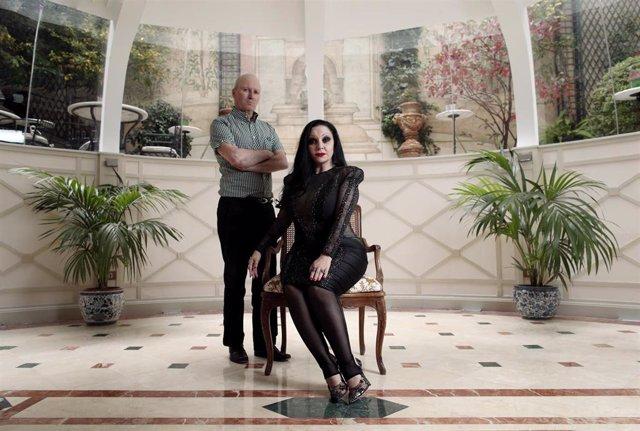 Fangoria (Nacho Canut y Alaska) posan durante una entrevista para Europa Press por su disco 'Extrapolaciones y dos respuestas 2001-2019', en Madrid (España), a 7 de noviembre de 2019.