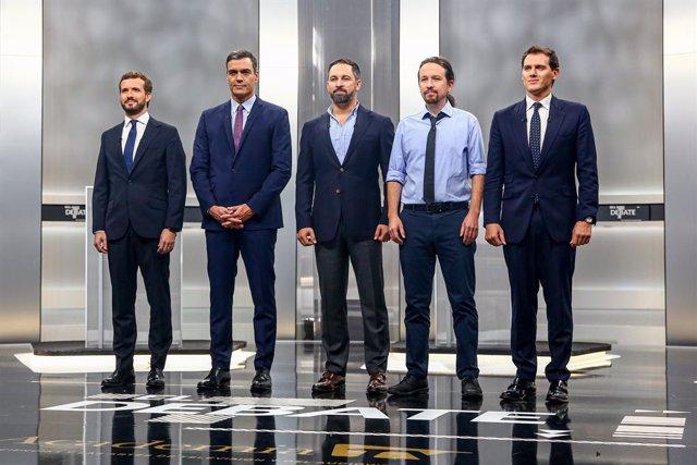 Pedro Sánchez, Pablo Casado, Pablo Iglesias, Albert Rivera i Santiago Abascal abans del debat electoral en televisió al Pavelló de Cristall de la Casa de Campo de Madrid el 4 de novembre de 2019.