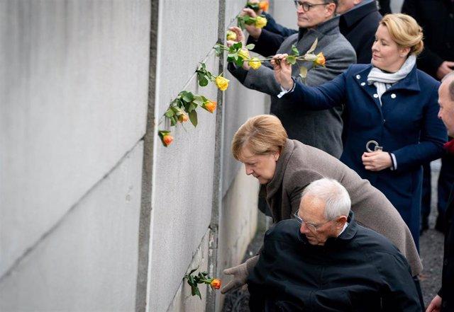 Angela Merkel conemora la caída del Muro