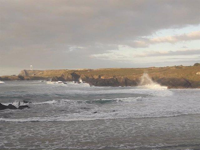 Olas en la playa de Meirás, Valdoviño (A Coruña) temporal, oleaje  Olas en la playa de Meirás, Valdoviño (A Coruña) temporal, oleaje