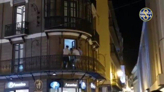 """Turistas con """"comportamiento no adecuado"""" en una vivienda turística de Sevilla denunciada"""