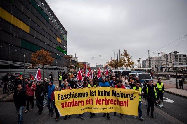 Alemania.- Unos 5.000 antifascistas responden a la convocatoria de un grupo neon