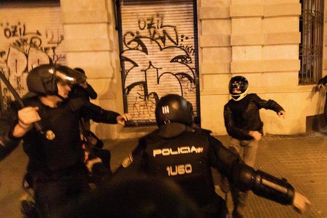 Enfrontaments durant una manifestació a Barcelona (Espanya), a 9 de novembre de 2019.