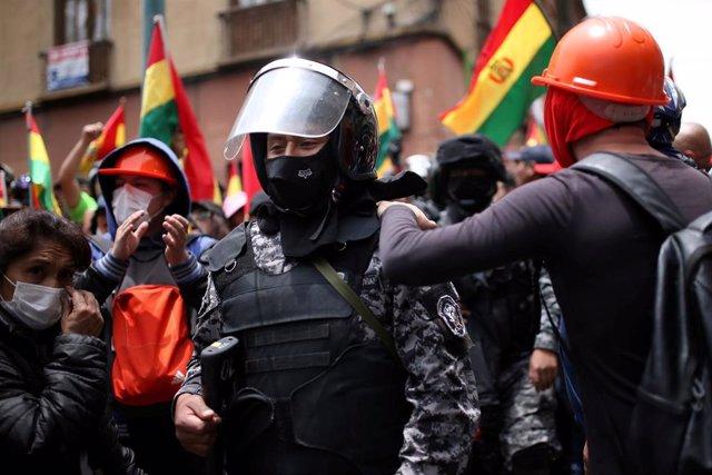 Policía durante las protestas contra Evo Morales en La Paz