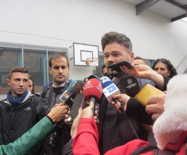 El candidat d'ERC al Congrés  Gabriel Rufián vota a Sabadell (Barcelona) en les eleccions generals del 10 de novembre de 2019