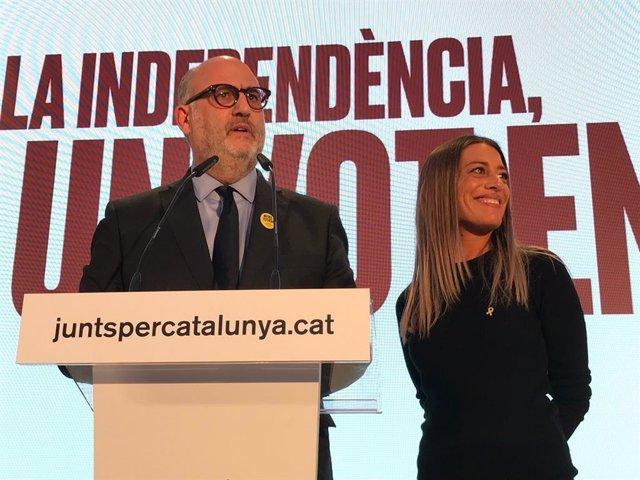 Eduard Pujol i Míriam Nogueras (JxCat) a Barcelona durant la nit electoral de les eleccions generals del 10 de novembre del 2019
